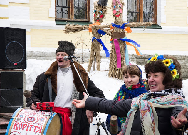 """Гурт """"Воріття"""" навчає українським традиціям"""