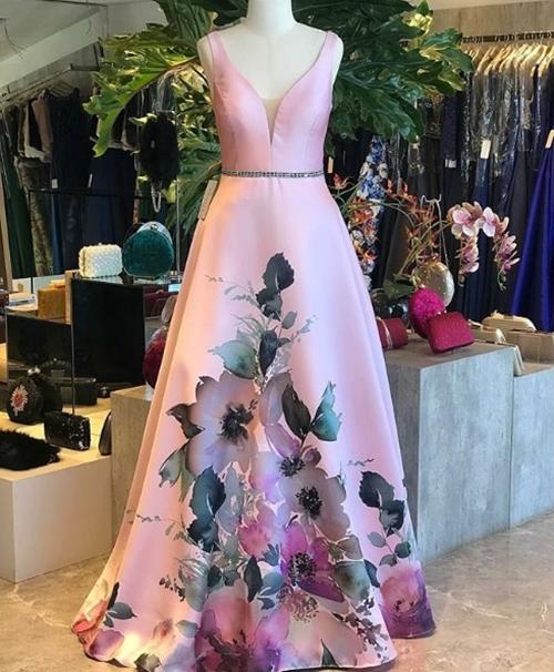 vestido de festa com estampa floral