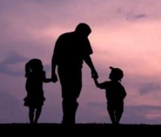 Menjalin Kedekatan Ayah dan si kecil