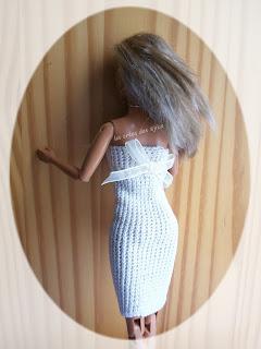 Robe pour poupée mannequin au crochet