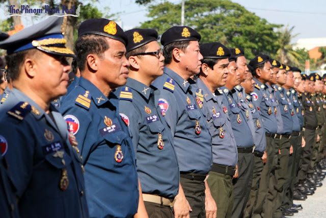 Members of the Royal Cambodian Armed Forces attend an inauguration ceremony in Phnom Penh in 2013. A royal decree issued last month outlines plans to promote over 100 RCAF personnel to one-star generals. Pha Lina