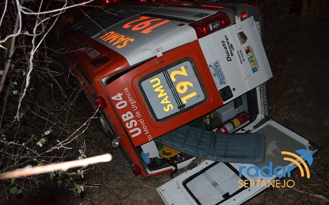 Ambulância do Samu capota entre Monte Horebe e São José de Piranhas