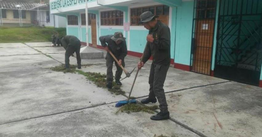 Efectivos del Ejército dan mantenimiento a colegios de Lambayeque y Cajamarca