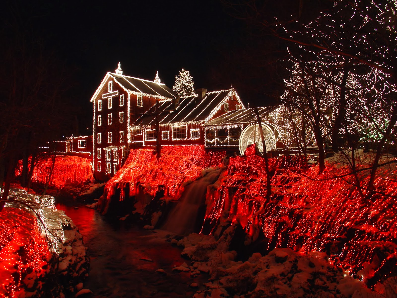 The Merry Dressmaker: The Lights at Clifton Mill