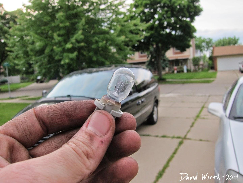 chrysler town and country dodge caravan dome light light bulb model phillips [ 1440 x 1080 Pixel ]