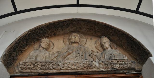Romański kościół Św. Godeharda w Hildesheim - oryginalny portal