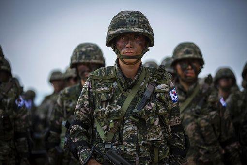 Corea del Sur medita aplazar maniobras con EE.UU.