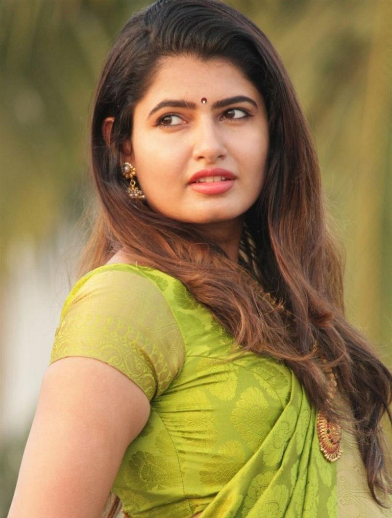 Model Ashima Narwal Photos In Green Saree