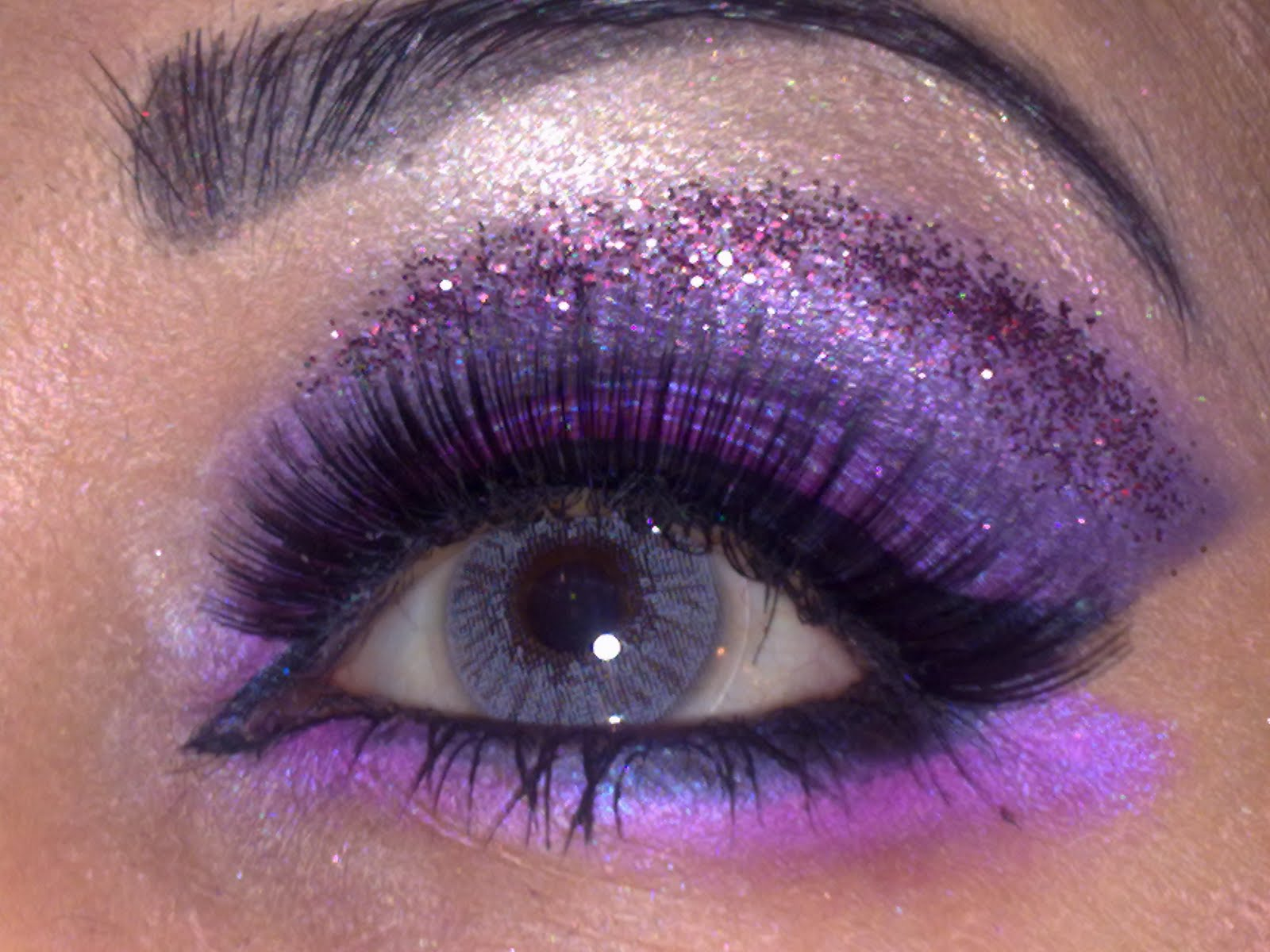Love Makeup Safira Purple Glitter Makeup Look
