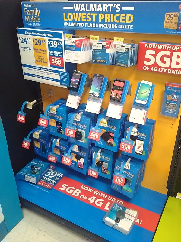 The Walmart Family Mobile Display is easy to find inside the electronic department of your local Walmart and sales associates are always there to help and answer your questions! ad #DataAndAMovie  #FamilyMobile