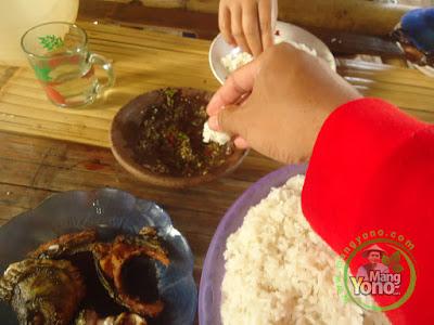 Nasi Putih TRISAKTI Yang Pulen Dicocol Ke Sambel