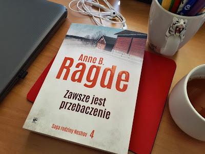 """O prostocie życia i szukaniu pojednania, czyli recenzja powieści """"Zawsze jest przebaczenie"""" Anne B. Ragde."""