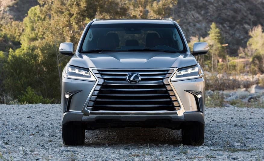 Nhiều thay đổi của Lexus LX 570 được đánh giá là hợp thời, hiện đại, tương lai