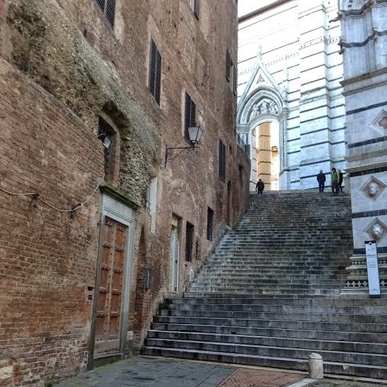 Siena: Piazza San Giovanni