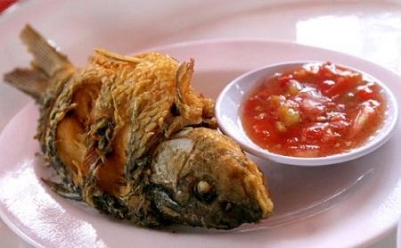Resep Ikan Mas Goreng Dengan Bumbu Pedas Gurih