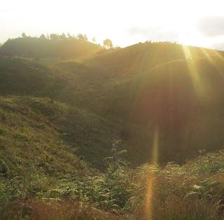 Perjuangan Demi Menikmati Sunrise di Puncak Prau