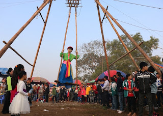 Bamboo Swings (Danh Du) - traditional folk games Tet day 1