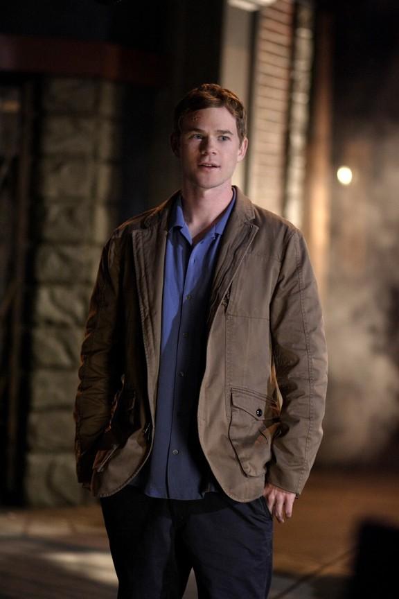 Smallville - Season 8 Episode 07: Identity