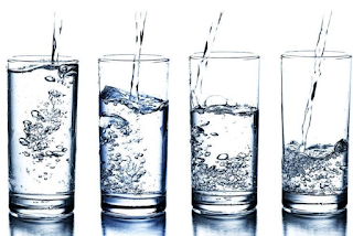 Should I drink 25 glasses of water like Tom Brady? Experts say no