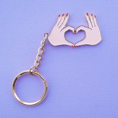 love hands keychain