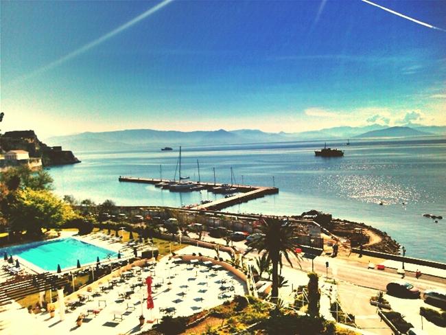 pogled na more iz hotela Corfu Palace