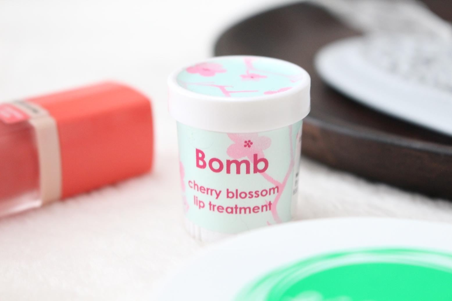 bomb-cosmetics-kwiat-wiśni