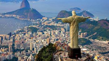 Sobrevuela el Cristo Redentor en Rio de Janeiro Brasil