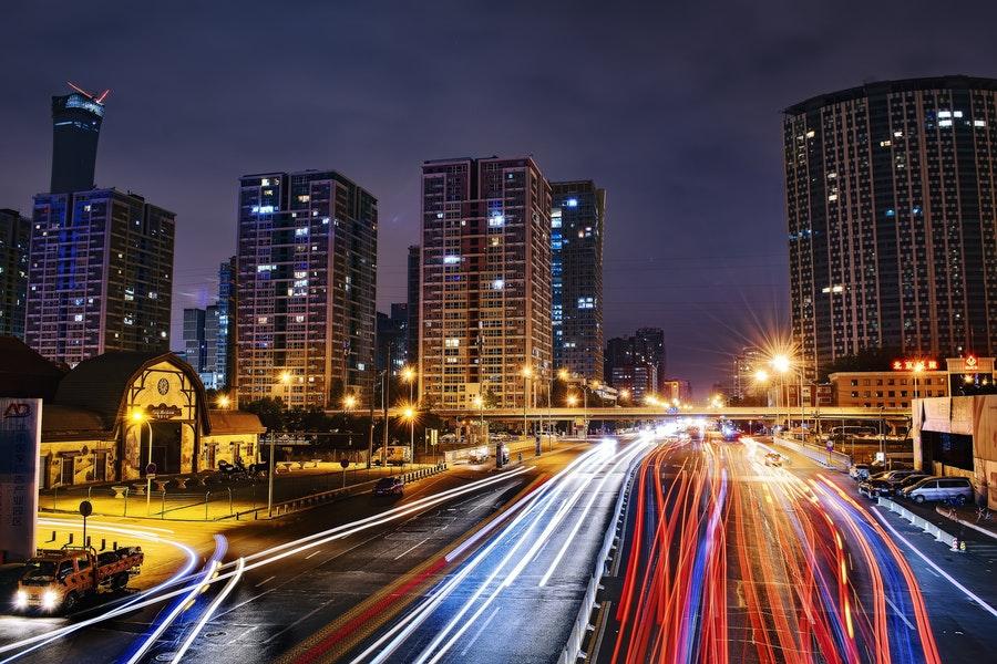 ruch uliczny nocą