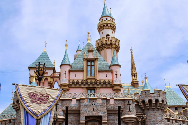 Disneyland - No words (Throwback Thursday) — October Blogging Challenge Day 22