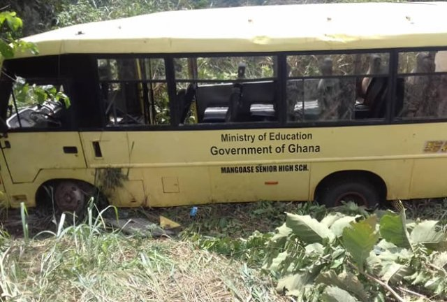Teacher dead, dozens injured as bus carrying students crashes in Eastern Region