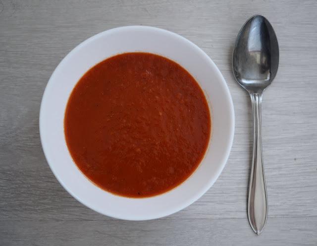paprika-tomaattikeitto