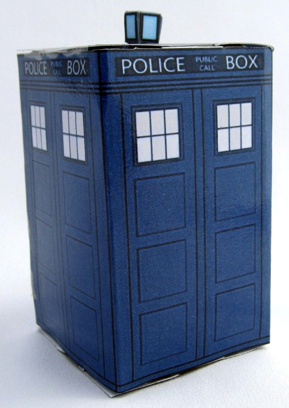 Tardis: Free Printable Police Blue Box of Dr Who. - Oh My Fiesta ...