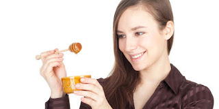 cara minum madu yang benar, minum madu, minum madu tiap hari, minum madu rutin, dampak minum madu keseringan, manfaat minum madu setiap hari,