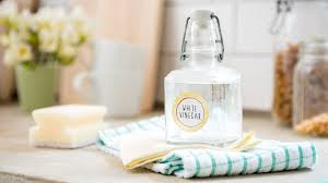 white vinegar for cleaning