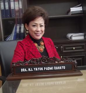 Dra.Hj.Yayuk Padmi Rahayu Anggota Komisi E DPRD Jatim