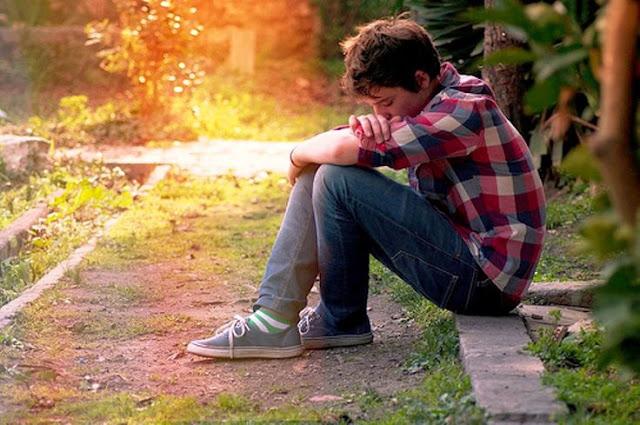 Alasan Mengapa Kamu Itu Harus Berhenti Berharap Sama Mantan