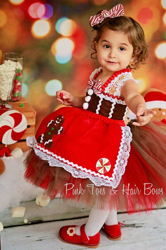 dumbo bola de rbol de navidad un clsico la tela de disfraces acolchada por un lado y con color por otra la cortamos en cculo y las unimos dejando