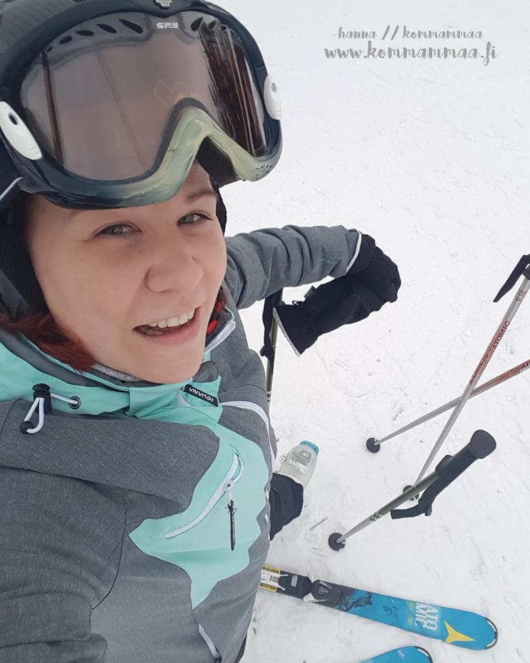 hotel sveitsi alekoodi kokemuksia sveitsin hiihtokeskus kirjoittaja laskettelemassa