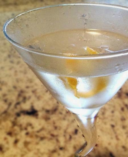 Easy Martini Recipe: Gin and Vermouth with a Lemon Twist
