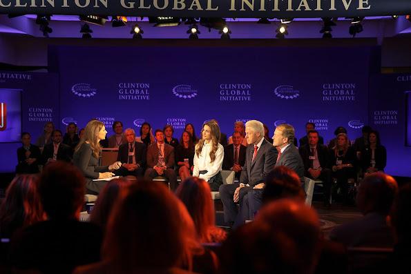 la Reine Rania a participé à un débat dans le cadre des Conférences de la Clinton Global Iniative.