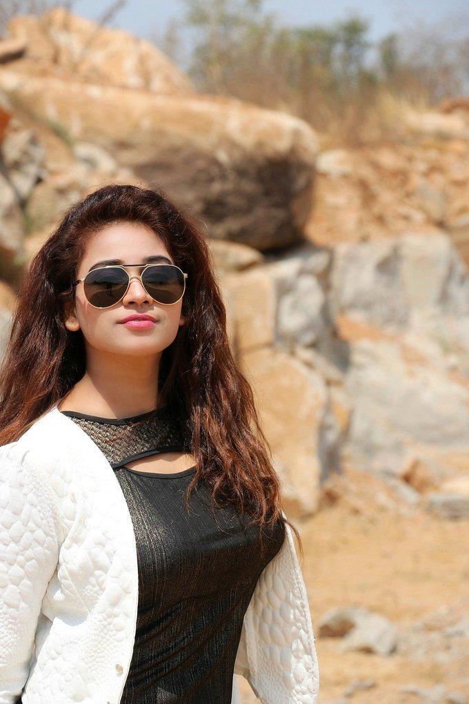 Jayathi Starring Lachhi Telugu Movie Photos Gallery