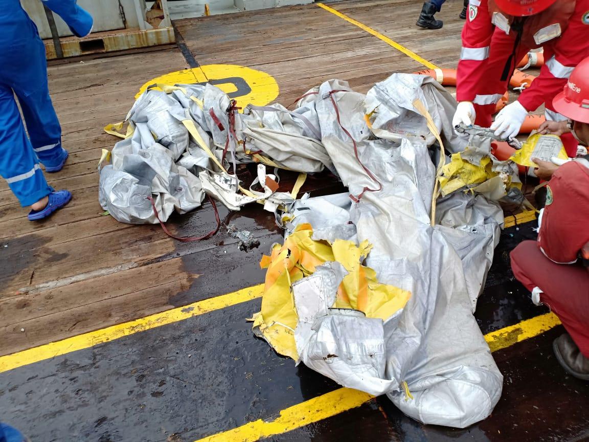 Inilah Para Penghuni Pesawat Lion Air yang Jatuh