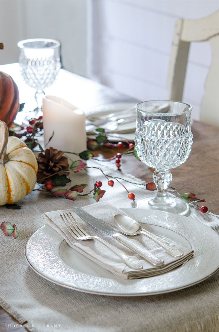 This simply decorated fall tablescape is beautiful.  |  www.andersonandgrant.com