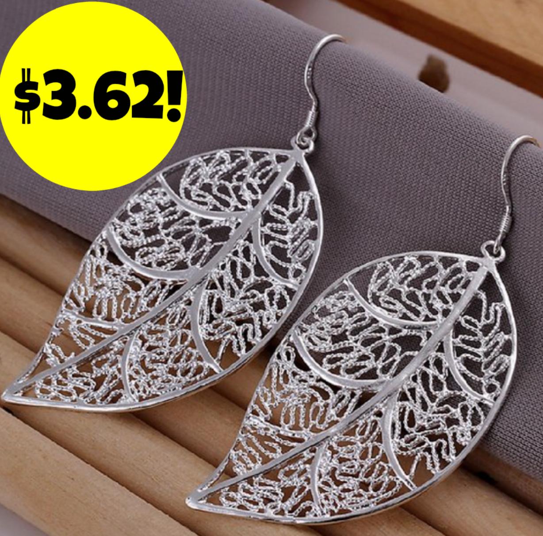 http://www.thebinderladies.com/2015/02/amazon-leaf-eardrop-earrings-362-free.html#.VNjtOofduyM
