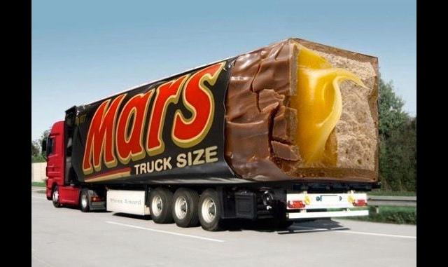 """شوكولاتة """"Mars """"تلفت الإنتباه بشاحنة ضخمة"""