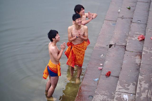 bathing korean chinese men males in underwear banaras varanasi ganges
