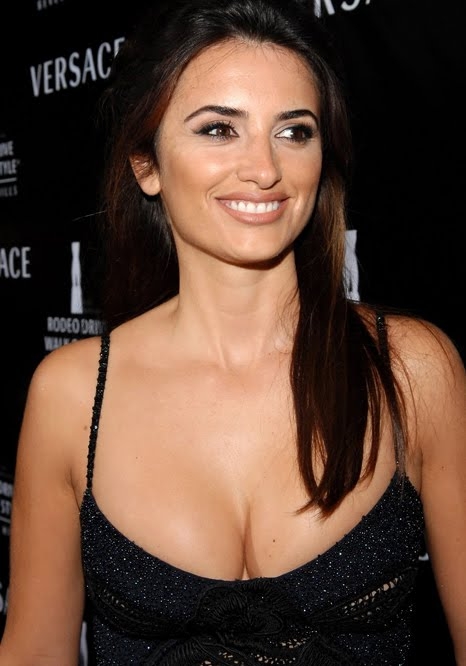 Penelope cruz breast implants that