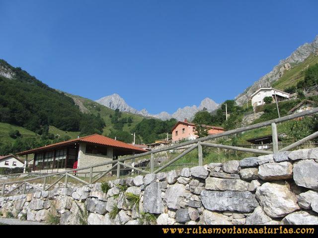 Ruta Tuiza - Portillín - Fontanes: Vista desde Tuiza de Peña Ubiña, Castillines y Portillín Oriental