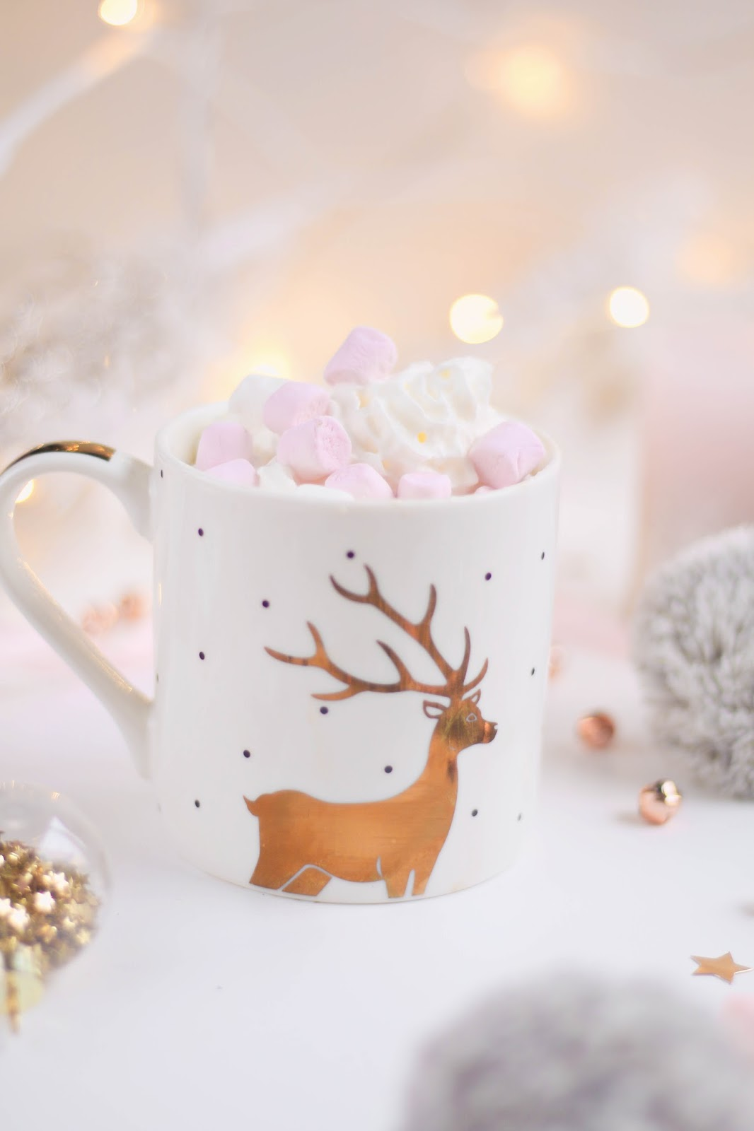 Blogmas, Christmas, Lists, Lifestyle, Things to do this december, hot chocolate