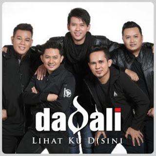 Lagu ini masih berupa single yang didistribusikan oleh label Ascada Musik Indonesia Lirik Lagu Dadali - Lihat Ku Disini